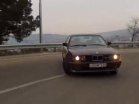 [vidéo] NeedforDrive, drift in the city 100% sans trucages (au milieu des piétons)