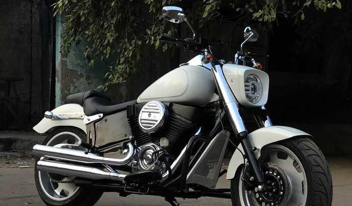Quand une Royal Enfield se prend pour une Harley-Davidson Fat Boy