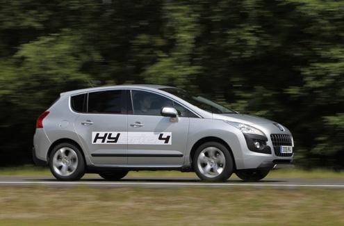 Essai vidéo - Peugeot 3008 Hybrid4 : commercialement viable ?
