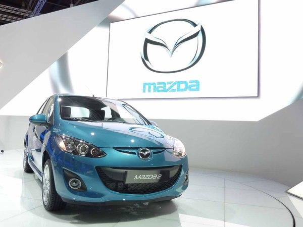 En direct du Mondial de l'auto 2010 : Mazda2 restylée, en attendant Kodo