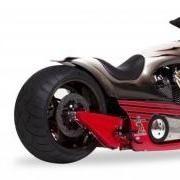 Shelby se met à la moto