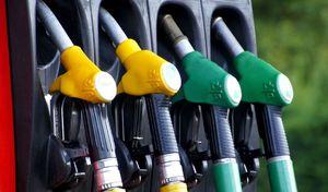 Les prix des carburants s'effondrent, la consommation dégringole