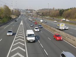 Bientôt une voie réservée sur l'A1 pour les bus et taxis