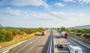 Confinement - Tout savoir sur les déplacementsen voiture : cas autorisés, documents, sanctions