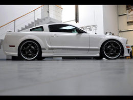 Prior Design radicalise la Ford Mustang MK5