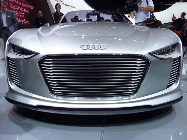 Mondial de Paris 2010 : l'Audi e-tron Spyder fait sa promo vidéo