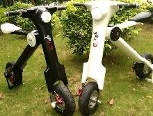 Scooter - ET: l'électrique qui vous ramène à la maison