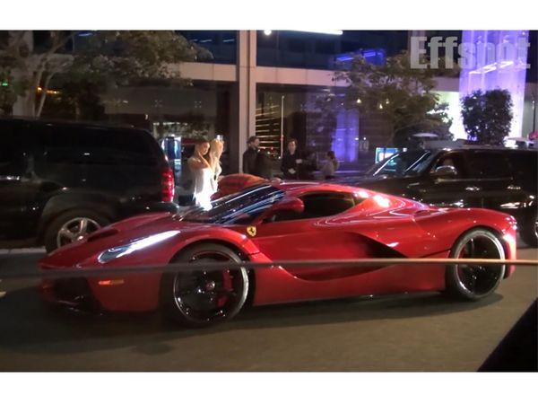 People : Lewis Hamilton promène Justin Bieber dans sa Ferrari Laferrari