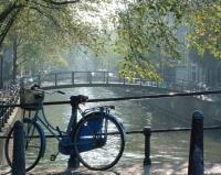 Pays-Bas : la voiture, cible du gouvernement et des villes. La Journée sans voiture tombe bien pour régler les comptes !