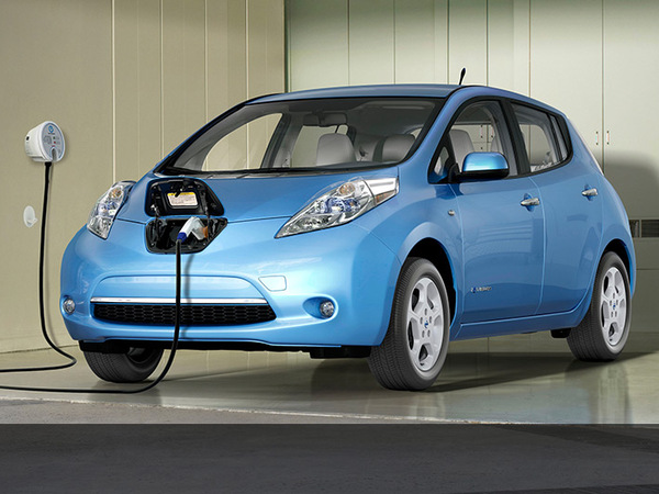 nissan leaf son prix baisse de 3000 euros. Black Bedroom Furniture Sets. Home Design Ideas