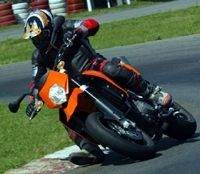 KTM : Supermoto 950