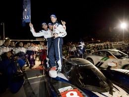 ILMC/Petit Le Mans - Coup double pour Peugeot: victoire et titre!