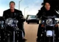 Vidéo moto : Schwarzenegger & Jackie Chan