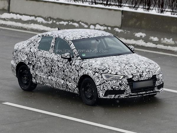 Surprise : la future Audi A3 tricorps de sortie