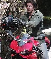 Actualité - People: Bradley Cooper montre la Ducati 1199 Panigale