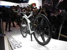 En direct du Mondial de Paris : le nouveau smart ebike, Concept de vélo électrique futuriste