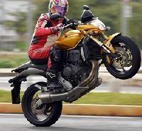 Honda: Le Hornet 07 en son et images
