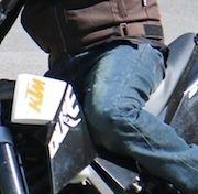 Essai Tucano Urbano jean deux-roues Genova GAG: à peaufiner même si il a de bons arguments