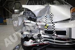 La Tata Nano passe au crash-test en Angleterre