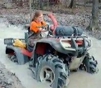 Vidéo moto : bain de boue