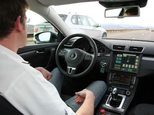 Voitures autonomes : la technologie sera prête en 2018 selon Carlos Ghosn