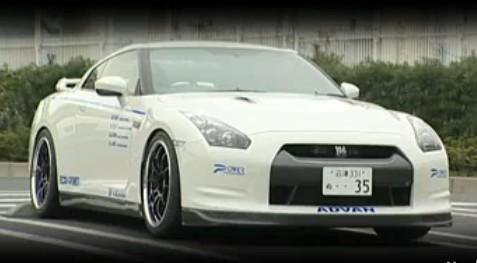 Vidéo : Nissan GTR Power entreprise (2 turbos + 2 compresseurs)