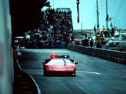F1 - Le safety car n'a pas toujours été une Mercedes, c'était quand même plus glamour avec une Lamborghini Countach