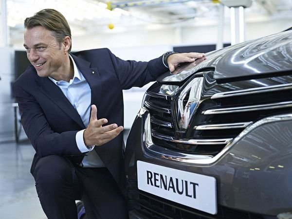 Renault : le chef du style Laurens Van Den Acker élu designer automobile de l'année 2015