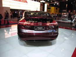 En direct du Mondial de Paris / stand Honda : la FCX Clarity et l'HondaJet