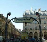Un motard gravement blessé dans le métro parisien...
