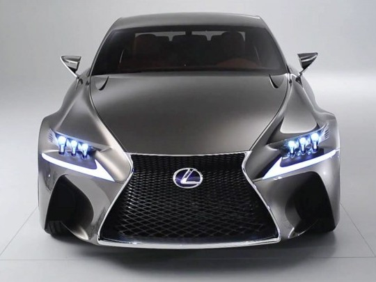 Lexus enregistre l'acronyme RC F