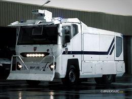 Le garage des monstres : le camion anti-émeute de la police nationale