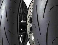 Dunlop D211 GP Racer : L'innovation puissance 3