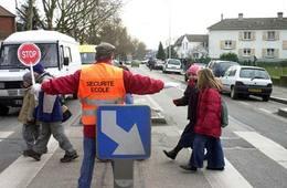 Enfants sur le chemin de l'école :  dangers !