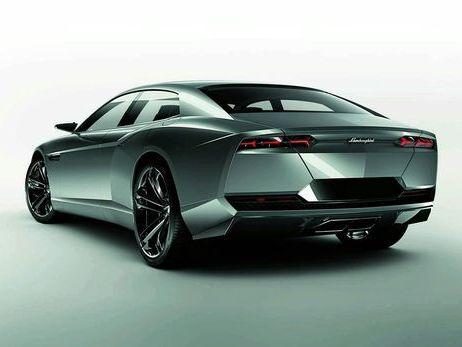 Lamborghini: plutôt un SUV qu'une 4 portes...
