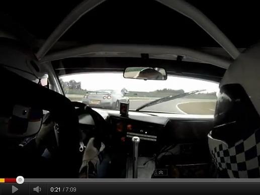 Nissan GT-R 600ch vs BMW M3 GTR : voiture préparée contre voiture de course, qui l'emportera ?
