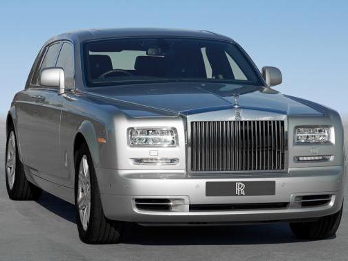 SUV Rolls-Royce: les voyants seraient passés au vert