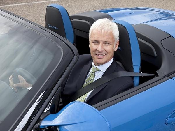 """Porsche gèle les programmes """"baby Boxster"""" et SUV Cajun"""