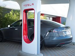 Tesla souhaite partager son réseau de superchargeurs