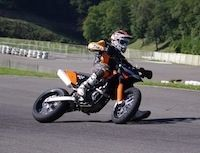 Stages supermotard made in KTM: glissons en 2011!