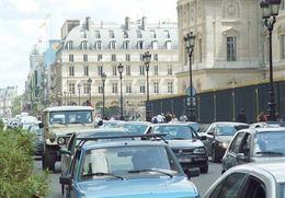 Doit-on interdire les 4 x 4 à Paris ?