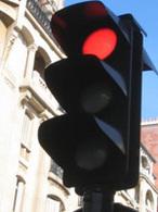 Non signalés et coûtant 4 points et 135€ : consultez la carte de France des radars de feu rouge