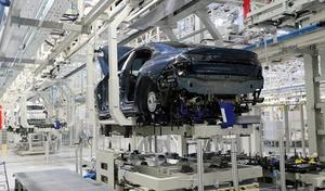 PSA : les syndicats ne veulent pas du redémarrage des usines