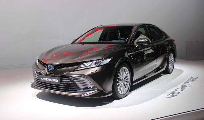 Toyota Camry : ciao Avensis ! - Vidéo en direct du Mondial de Paris 2018