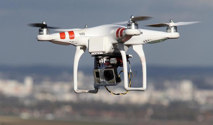 pv   la police utilise un drone pour verbaliser les comportements dangereux