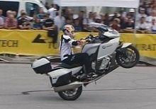 Actualité - Vidéo: Du stunt avec la K1600GT ? Chiche !