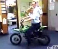 Vidéo moto : Régis fait du Piwi