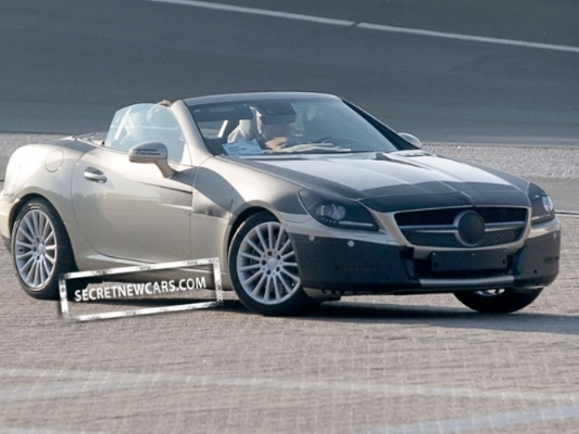Spyshot : le prochain Mercedes SLK décapote