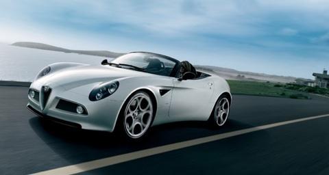 299 000 dollars pour l'Alfa Romeo 8C Spider