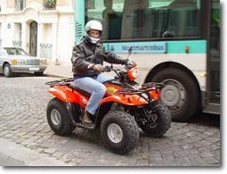 Nous avons roulé en quad à Paris !